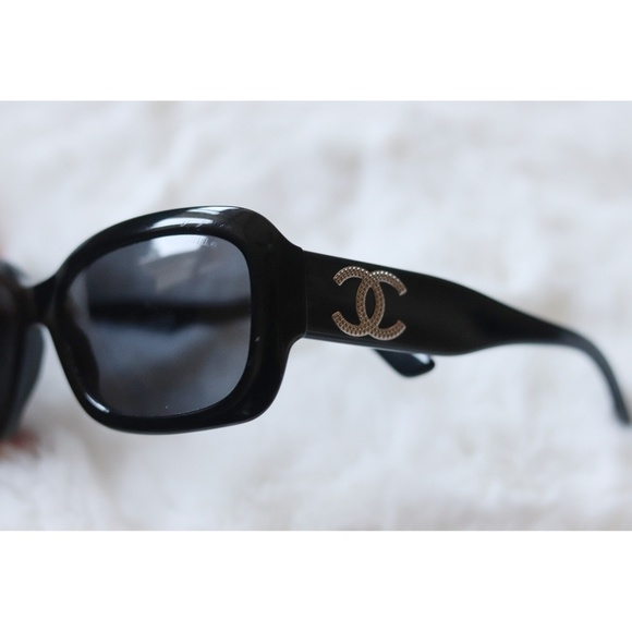CHANEL Accessories - Chanel | classic black sunglasses with box EUC